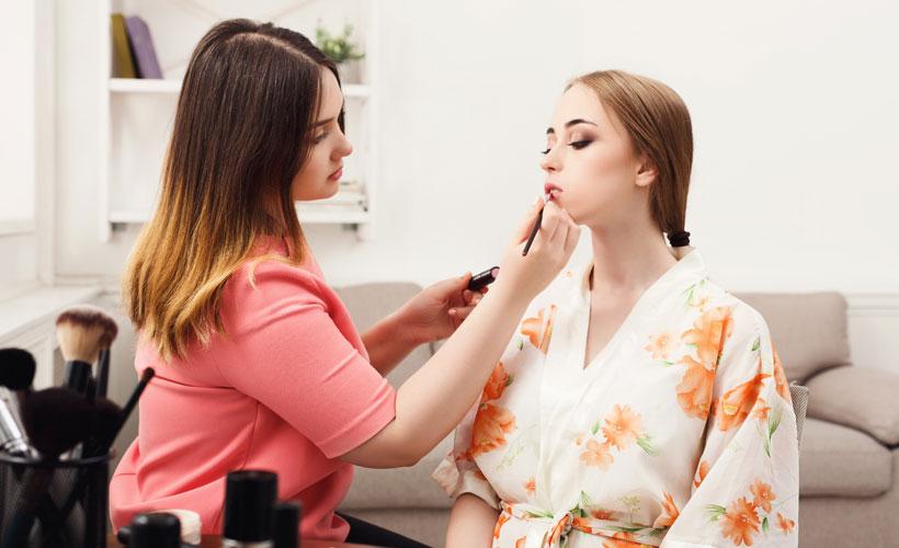 Why do women wear makeup 1 - 7 Reasons Why Women Wear Makeup