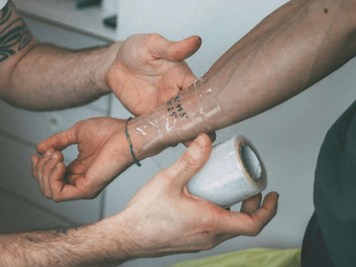 10 Safety Precautions Checklist before Getting a Tattoo
